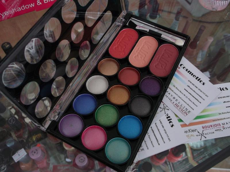Paleta farduri si blush 15 piese Saffron - 003