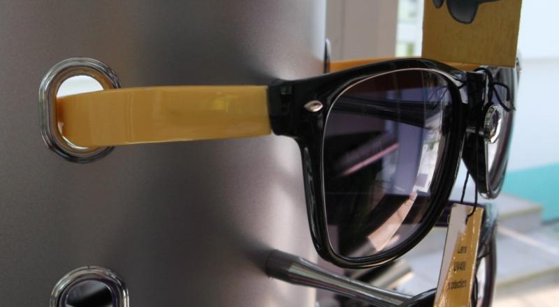 Ochelari de soare cu rama colorata - galben