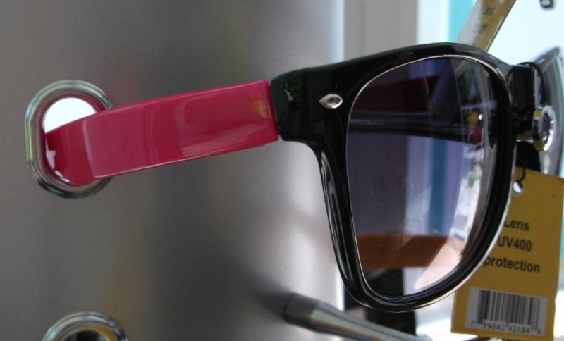 Ochelari de soare cu rama colorata - roz