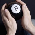 Magic 8 Ball Mingea adevarului