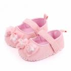 Pantofiori roz cu fundita cu bilute din puf
