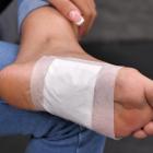 Set 10 plasturi detoxifiere cu bambus aplicare pe talpa piciorului Bam